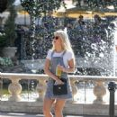 Lottie Moss – Shopping candids at The Grove in LA With Emily Blackwell - 454 x 597