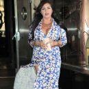MJ Leaving Her Hotel In NY April 4.2012 - 389 x 594