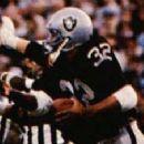 Marcus Allen rushes in Super Bowl XVIII