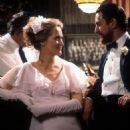 Meryl Streep and Robert De Niro in The Deer Hunter (1977) - 454 x 680
