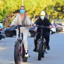 Hailey and Justin Bieber – Riding Electric Bikes in Los Angeles - 454 x 495