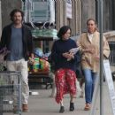 Shannen Doherty – Shopping at vintage market in Malibu - 454 x 378