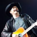 Kix Brooks - 381 x 594