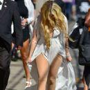 Avril Lavigne – Arrives at Jimmy Kimmel Live in Hollywood - 454 x 636