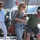 Hilary Duff in Jeans out for lunch in Los Angeles - 454 x 681