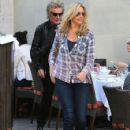Rod Stewart and Penny Lancaster spotted out for lunch at the 208 Rodeo Restaurant in Beverly Hills, California on January 13, 2015 - 425 x 594