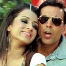 Akshay Kumar And Trisha Krishnan In Khatta Meetha - 448 x 324