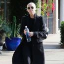 Ashlee Simpson – Heading the gym in Studio City - 454 x 681