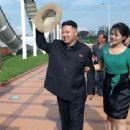 Kim Jong Un and Ri Sol Ju - 454 x 340