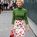 Gretchen Mol – Arrives to Michael Kors Fashion Show in New York - 454 x 738