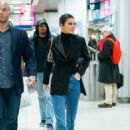 Kendall Jenner – Arrives at Penn train station in New York - 454 x 681