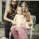 Berry Oakley, Linda Oakley and daughter Brittany - 454 x 428