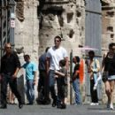 Matthew Fox- July 9, 2009-Fox family see the Colosseum - 454 x 300