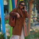 Jessica Alba out and about in Los Angeles (November 9, 2017)