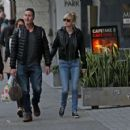 Anna Faris and Michael Barrett – Christmas shopping in Los Angeles - 454 x 426