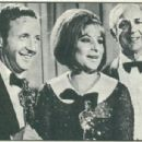 Barbra Streisand - Fatos E Fotos (fatosefotos) Magazine Pictorial [Brazil] (1 May 1969) - 454 x 306
