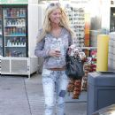 Tara Reid | Stops For A Snack In Beverly Hills, November 30 2009