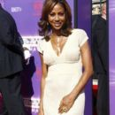 Holly Robinson-Peete - 398 x 597