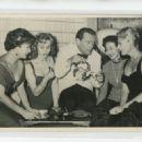 Eddie Constantine, Gaby André, Danik Patisson, Keiko Kishi, Tilda Thamar - 454 x 327