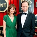 Alexis Bledel and Vincent Kartheiser - 454 x 389