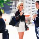Jane Krakowski – Out and about in New York City - 454 x 700