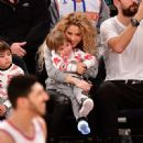 Shakira and Gerard Pique Attend The New York Knicks Vs Philadelphia 76ers Game - 454 x 449
