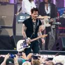 Johnny Depp is seen performing with his band Hollywood Vampires at 'Jimmy Kimmel Live' in Los Angeles, California on June 13, 2019 - 454 x 375