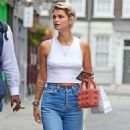 Pixie Geldof is spotted donning a casual look out in Soho - 454 x 831