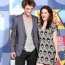 Robert Pattinson and Kristen Stewart At The MTV Video Music Awards (2008)