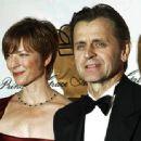 Mikhail Baryshnikov and Lisa Rinehart - 454 x 338