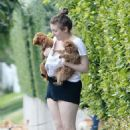 Lena Dunham With Her Dogs in Beverly Hills - 454 x 679