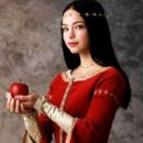 Kristin Kreuk as Snow White in Snow White: The Fairest of Them All - 400 x 658