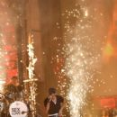Enrique Iglesias- Univision's 13th Edition Of Premios Juventud Youth Awards - Show - 415 x 600
