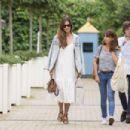 Sara Carbonero in white dress shopping in Madrid - 454 x 303