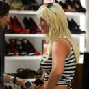 Brooke Hogan - Miami Candids, 04.12.2008.