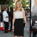 Lisa Kudrow - Premiere Of 'Bandslam' At Mann Village Theatre On August 6, 2009 In Westwood, Los Angeles, California