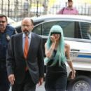 Amanda Bynes appears in New York court in suspected bong toss