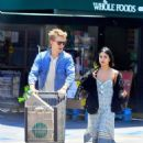 Vanessa Hudgens and Austin Butler - 454 x 615
