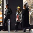Gigi Hadid – Out for a walk with friends in Soho