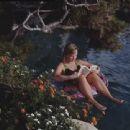 Renée O'Connor - 454 x 340