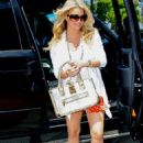 Jessica Simpson - On A Lunch Date With Her Boyfriend - July 18, 2010