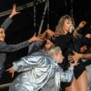 Taylor Swift – Performs at BBC Radio 1's Biggest Weekend in Swansea