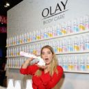 Ashley Benson – Olay's New Foaming Whip Body Wash Booth in Los Angeles - 454 x 670
