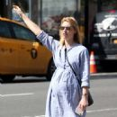 Claire Danes – Hail a cab in New York City - 454 x 573