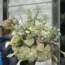 Jennifer Lawrence – Receives white flowers in New Orleans - 454 x 694