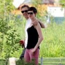 Anne Hathaway and fiance Adam Shulman walking Esmeralda in Brooklyn, NY (August 25) - 454 x 324