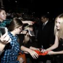 Dakota Fanning - The Twilight Saga: New Moon Premiere In Westwood, 2009-11-16