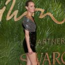 Amber Valletta – 2017 Fashion Awards in London - 454 x 683
