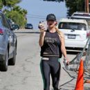 Kaley Cuoco – Hits the gym in LA - 454 x 605