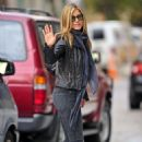 Jennifer Aniston out in NYC (November 15 2010)